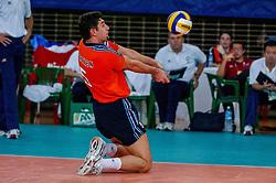 06-10-2002 ARG: World Champioships Netherlands - Brasil, Santa Fe<br /> Guido Gortzen/  NEDERLAND - BRAZILIE 0-3<br /> WORLD CHAMPIONSHIP VOLLEYBALL 2002 ARGENTINA<br /> SANTA FE / 06-10-2002