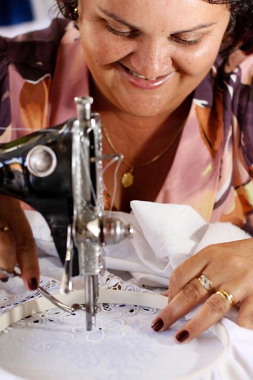 Belo Horizonte_MG, Brasil...1º Salao do Artesanato na Serraria Souza Pinto. Na foto uma artesa...1st Salao do Artesanato in the Serraria Souza Pinto. In this photo, a craftswoman..Foto: MARCUS DESIMONI / NITRO.