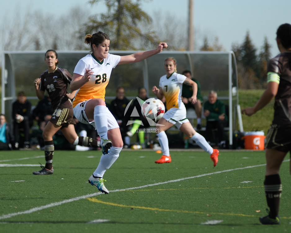 2nd year forward Sydney Langen (28) of the Regina Cougars in action during the Women's Soccer Home Game on October 15 at U of R Field. Credit: Arthur Ward/Arthur Images