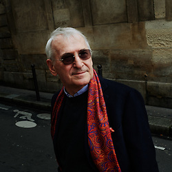 Manfred Kets de Vries, a management scholar and psychoanalyst, professor of leadership development and organizational change at INSEAD, posing in the street, between his home and the Seine river. Paris, France. March 10, 2020.