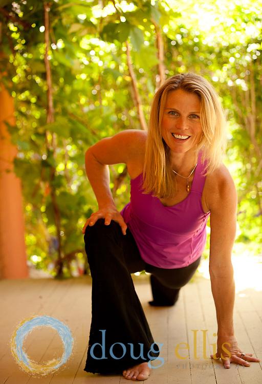 Outdoor yoga photos and yogini portraits for Boulder yogi Alison Litchfield