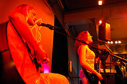 BRUSSELS, BELGIUM - MARCH-25-2006 -  Galen Ayers and Kirsty Newton of SISKIN. (PHOTO © JOCK FISTICK)