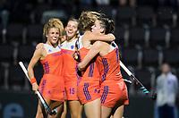 AMSTELVEEN - Vreugde bij Oranje bij 3-1  tijdens Nederland - Spanje (dames) bij de Rabo EuroHockey Championships 2017. rechts Lidewij Welten  ANP KOEN SUYK