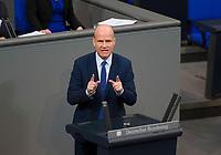 DEU, Deutschland, Germany, Berlin, 21.11.2018: Der CDU/CSU-Fraktionsvorsitzende Ralph Brinkhaus bei einer Rede während einer Plenarsitzung im Deutschen Bundestag.