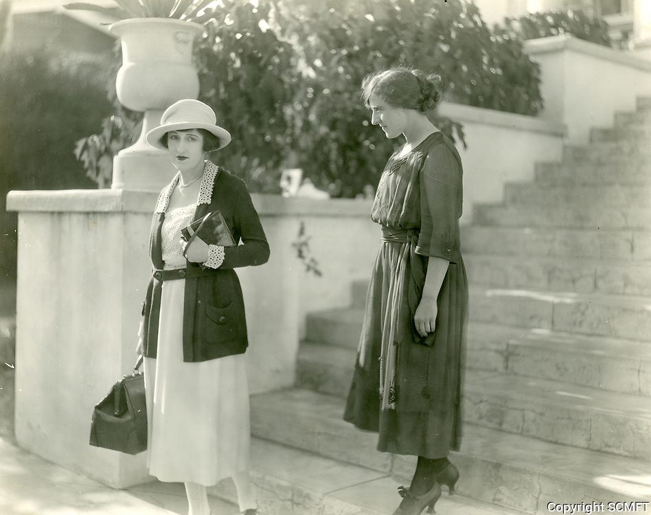 1922 Marion Hunter says good-bye to Patsy Ann Epperson at the Hollywood Studio Club on Carlos Ave.