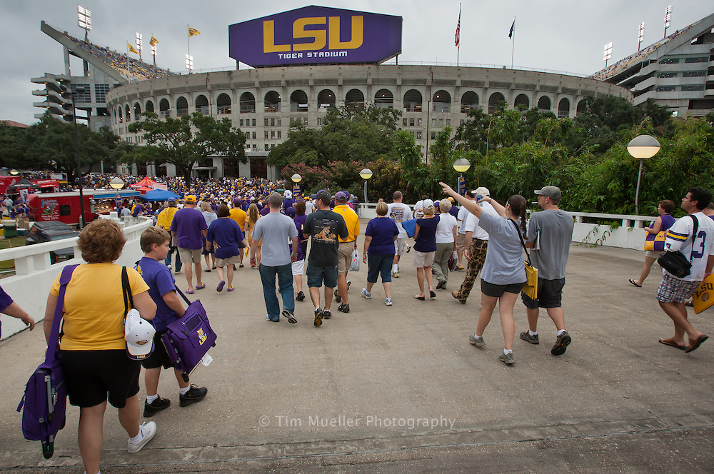 Tailgating at LSU is all about southern hospitality, spicy Cajun food, hot Louisiana nights, and great college football.