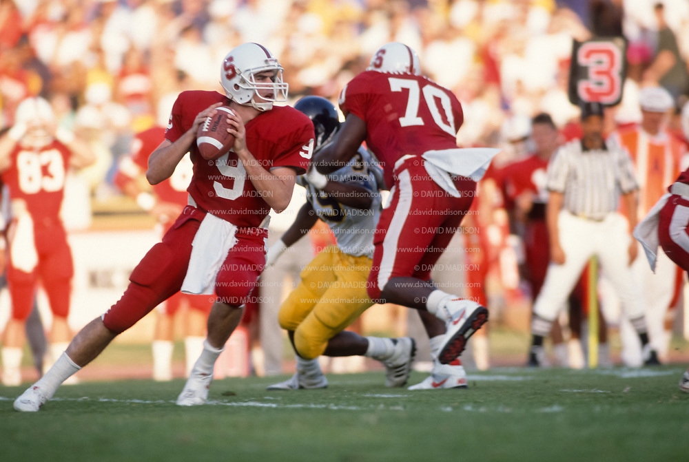 COLLEGE FOOTBALL:  Stanford vs Cal in the 92nd Big Game, November 18, 1989 at Stanford Stadium in Palo Alto, California.  Steve Smith #9.   Photograph by David Madison | www.davidmadison.com.
