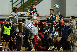 Kobus Van Wyk of Leicester Tigers and Marland Yarde of Sale Sharks compete for an aerial ball - Mandatory by-line: Nick Browning/JMP - 29/01/2021 - RUGBY - Mattioli Woods Welford Road - Leicester, England - Leicester Tigers v Sale Sharks - Gallagher Premiership Rugby