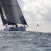 Bertrand DELESNE et Justine METTRAU sur Teamwork / Class 40 N°115