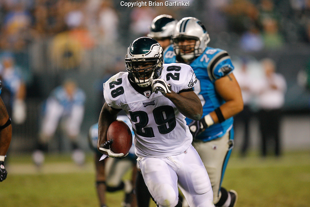 8 August 2008: Philadelphia Eagles running back Tony Hunt #29 runs down the field on his way to score a touchdown during the game against the Carolina Panthers on August 14, 2008. The Eagles beat the Panthers 24 to 13 at Lincoln Financial Field in Phialdelphia, Pennsylvania.