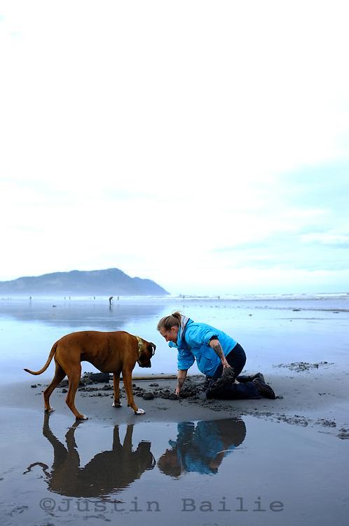 Clamming for Razor Clams along the Oregon Coast. Gearhart, OR.