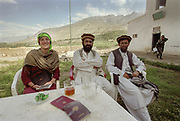 Mareile and Commander Wahid Khan's 2 assistants. We are trying to obtain a permission letter to enter the Wakhan Corridor and reach the Little Pamir range, on the Chinese, Tajik and Pakistan border. Without this letter, we can simply not go on... The interrogation is conducted in rusty Wakhi language. Ishkashim.