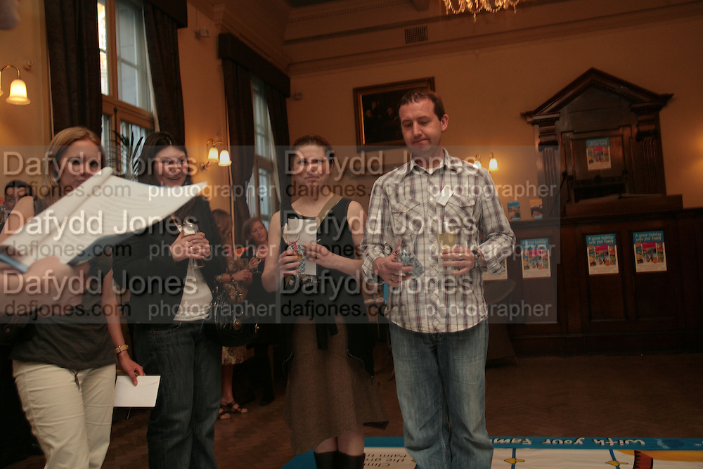 Darren Thompson,  Frommer's UK celebrate the launch of 'with Your family.'  Hosted by the directors of Wiley. Courtrooms 1 & 2. Browns. St. Martins Lane. London. 2 May 2007. -DO NOT ARCHIVE-© Copyright Photograph by Dafydd Jones. 248 Clapham Rd. London SW9 0PZ. Tel 0207 820 0771. www.dafjones.com.