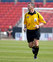 Photo: Leigh Quinnell.<br /> AFC Bournemouth v Swansea City. Coca Cola League 1. 14/04/2007. Referee C. Penton.