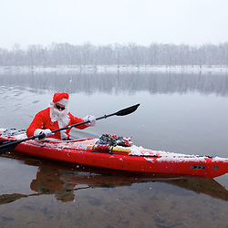 Paddling in the Snow on the Potomac