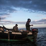 Pêcheurs venus d'Agadir pour prospecter les eaux de Tifnit.