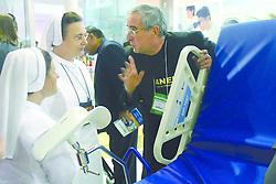 Movimento de público no segundo dia da HOSPITALAR 2007 - 14™ Feira Internacional de Produtos, Equipamentos, Serviços e Tecnologia para Hospitais, Laboratórios, Clínicas e Consultórios, que acontece de 12 a 15 de junho de 2007, no Expo Center Norte, em São Paulo. FOTO: Jefferson Bernardes/Preview.com