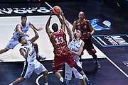 DESCRIZIONE : Bologna Lega A 2015-16 Obiettivo Lavoro Virtus Bologna - Umana Reyer Venezia<br /> GIOCATORE : Josh Owens<br /> CATEGORIA : Tiro<br /> SQUADRA : Umana Reyer Venezia<br /> EVENTO : Campionato Lega A 2015-2016<br /> GARA : Obiettivo Lavoro Virtus Bologna - Umana Reyer Venezia<br /> DATA : 04/10/2015<br /> SPORT : Pallacanestro<br /> AUTORE : Agenzia Ciamillo-Castoria/G.Ciamillo<br /> <br /> Galleria : Lega Basket A 2015-2016 <br /> Fotonotizia: Bologna Lega A 2015-16 Obiettivo Lavoro Virtus Bologna - Umana Reyer Venezia