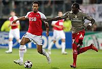 Fotball<br /> Foto: DPPI/Digitalsport<br /> NORWAY ONLY<br /> <br /> FOOTBALL - CHAMPIONS LEAGUE 2009/2010 - GROUP H - AZ ALKMAAR v STANDARD DE LIEGE - 29/09/2009 <br /> <br /> ELIAQUIM MANGALA (STA) / MOUSSA DEMBELE (ALK)