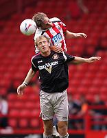 Fotball<br /> England 2005/2006<br /> Foto: imago/Digitalsport<br /> NORWAY ONLY<br /> <br /> 30.07.2005<br /> <br /> Chris Brown (Sunderland, vo.) gegen Phil Jagielka (Sheffield United)