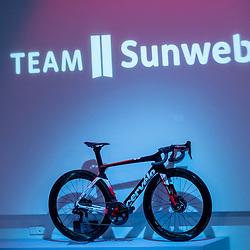 10-12-2019: Wielrennen: Teampresentatie Sunweb: Amsterdam <br />2020 teambike
