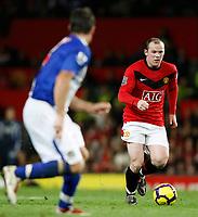 Photo: Steve Bond/Richard Lane Photography. Manchester United v Blackburn Rovers. Barclays Premiership 2009/10. 31/10/2009. Wayne Rooney makes the Blackburn defence backpedal