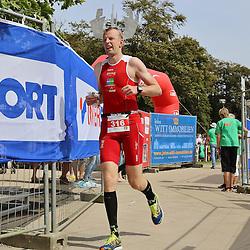 Glücksburg, 02.08.15, Sport, Triathlon, 14. OstseeMan, 2015 : Brian Lyk (DEN, Atletica Tri Horsens, #316)<br /> <br /> Foto © P-I-X.org *** Foto ist honorarpflichtig! *** Auf Anfrage in hoeherer Qualitaet/Aufloesung. Belegexemplar erbeten. Veroeffentlichung ausschliesslich fuer journalistisch-publizistische Zwecke. For editorial use only.