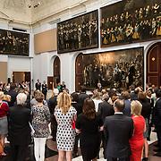 NLD/Amsterdam/20140620 - Koning Willem Alexander opent tentoonstelling schuttersstukken  in de Krijgsraadzalen van het Koninklijk Paleis Amsterdam
