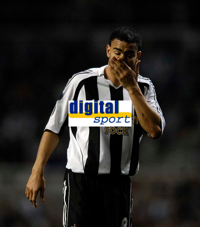 Photo: Jed Wee/Sportsbeat Images.<br /> Newcastle United v Zulte-Waregem. UEFA Cup, 2nd Leg. 22/02/2007.<br /> <br /> Newcastle's Kieron Dyer rues a missed opportunity.