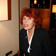 NLD/Bussum/20051212 - Uitreiking Gouden Beelden 2005,  Eric Corton en prijswinnaars documentaire muziek, Richard Ros