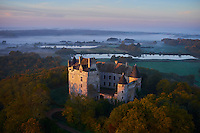 France, Indre (36), le Berry, parc naturel régional de la Brenne, Rosnay, chateau du Bouchet, vue aerienne // France, Indre (36), le Berry, Brenne, natural park, Castle of Bouchet, aerial view