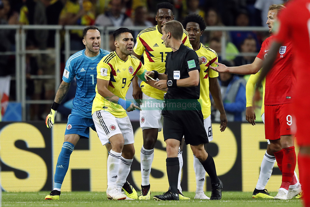 (l-r) Colombia goalkeeper David Ospina, Radamel Falcao Garcia of Colombia, referee Mark Geiger, Yerry Mina of Colombia, Carlos Sanchez of Colombia during the 2018 FIFA World Cup Russia round of 16 match between Columbia and England at the Spartak stadium  on July 03, 2018 in Moscow, Russia