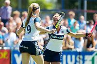 HUIZEN - Grace Huberts (Huizen) en Amber Folmer (Huizen) na het eerste doelpunt , bij de eerste play off wedstrijd voor promotie naar de hoofdklasse , Huizen-Nijmegen (3-2) COPYRIGHT KOEN SUYK