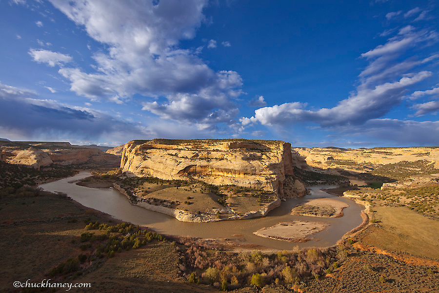 The Yampa River at Castle Park Overlook in Dinosaur National Monument, Colorado, USA