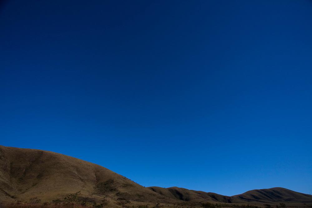 Nova Lima _ MG, Brasil..Vista de Montanha em Nova Lima, Minas Gerais...Mountain View in Nova Lima, Minas Gerais...Foto: LEO DRUMOND / NITRO