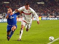 Photo: Scott Heavey.<br /> VFB Stuttgart v Chelsea. Champions League Quarter Final First Leg. 25/02/2004.<br /> Frank Lmapard (L) is shoved off the ball by Marcelo Bordon