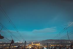 THEMENBILD - Das Stift Klosterneuburg liegt nordwestlich von Wien in der gleichnamigen Stadt Klosterneuburg (Niederösterreich) und gehört der Kongregation der österreichischen Augustiner-Chorherren an. Der Komplex geht auf eine Stiftung des österreichischen Markgrafen Leopold III. Das Stift Klosterneuburg beherbergt eine bedeutende Kunstsammlung und besitzt eines der größten und ältesten Weingüter Österreichs. Im Bild das Stift und Weinreben während des Sonnenaufgangs, aufgenommen am 04.03.2018, Klosterneuburg, Oesterreich // Klosterneuburg Monastery is a twelfth-century Augustinian monastery of the Roman Catholic Church located in the town of Klosterneuburg in Lower Austria. Overlooking the Danube river, just north of the Vienna city limits at the Leopoldsberg, the monastery was founded in 1114 by Saint Leopold III of Babenberg, the patron saint of Austria. Klosterneuburg, Austria on 2018/03/04. EXPA Pictures © 2018, PhotoCredit: EXPA/ Florian Schroetter