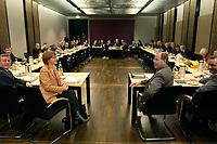 14 DEC 2003, BERLIN/GERMANY:<br /> Uebersicht des leeren Sitzungsaales des Vermittlungsausschusses vor Beginn der Sitzung, Bundesrat<br /> IMAGE: 20031214-01-087<br /> KEYWORDS: Übersicht