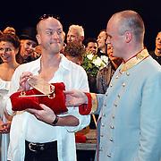 Laatste voorstelling Elisabeth, Frans van Deursen krijgt de sleutel