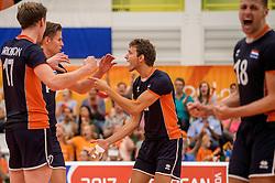 24-09-2016 NED: EK Kwalificatie Nederland - Wit Rusland, Koog aan de Zaan<br /> Nederland wint na een 2-0 achterstand in sets met 3-2 / Wessel Keemink #2