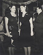 Twins entertaining, 1940?Äôs