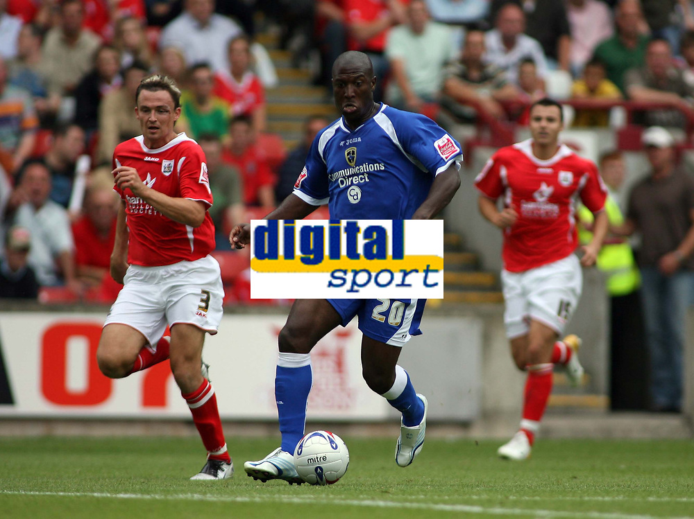 Photo: Rich Eaton.<br /> <br /> Barnsley v Cardiff City. Coca Cola Championship.<br /> <br /> 05/08/2006. Cardiffs Kevin Campbell attacks the Barnsley defence