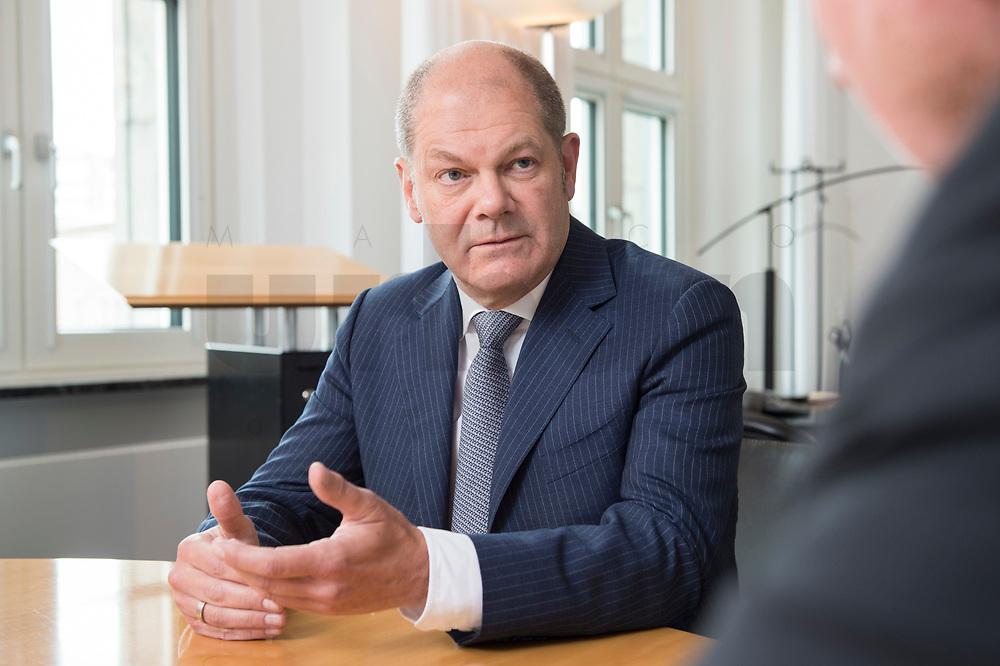 25 JUN 2018, BERLIN/GERMANY:<br /> Olaf Scholz, SPD, Bundesfinanzminister, waehrend einem Interview, in seinem Buero, Bundesministerium der Finanzen<br /> IMAGE: 20180625-02-003<br /> KEYWORDS: Büro
