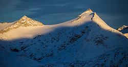 TEMENBILD - Mölltaler Gletscher ist der Name für ein Skigebiet in Österreich, Kärnten, in der Nähe von Flattach. Das Skigebiet ist im Besitz der Schultz Gruppe. Das Skigebiet dient in den Sommer und Herbstmonaten als T Trainingstätte für den Internationalen Ski Zirkus. Aufgenommen am 17.10.2012. Hier im Bild Hoher Sonnblick (3.106m) mit ZAMG Observatorium // THEME IMAGE FEATURE - Moelltal Glacier is the name of a ski resort in Austria, Carinthia, near Flattach. The resort is owned by the Schultz group. The ski area is in the summer and autumn months as T training venue for the International Ski Circus. The image was taken on october, 17th, 2012. Picture shows High Sonnblick (3.106m) with ZAMG Observatory. EXPA Pictures © 2012, PhotoCredit: EXPA/ J. Groder