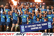 The Blues celebrate victory.<br /> Blues v Highlanders, Sky Super Rugby Trans-Tasman Final. Eden Park, Auckland. New Zealand. Saturday 19 June 2021. © Copyright Photo: Andrew Cornaga / www.photosport.nz