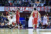 DESCRIZIONE : Milano Eurolega Euroleague 2013-14 EA7 Emporio Armani Milano Olympiacos Piraeus<br /> GIOCATORE : Hackett Daniel<br /> CATEGORIA : Palleggio<br /> SQUADRA :  EA7 Emporio Armani Milano<br /> EVENTO : Eurolega Euroleague 2013-2014 GARA : EA7 Emporio Armani Milano Olympiacos Piraeus<br /> DATA : 09/01/2014 <br /> SPORT : Pallacanestro <br /> AUTORE : Agenzia Ciamillo-Castoria/I.Mancini<br /> Galleria : Eurolega Euroleague 2013-2014 <br /> Fotonotizia : Milano Eurolega Euroleague 2013-14 EA7 Emporio Armani Milano Olympiacos Piraeus <br /> Predefinita