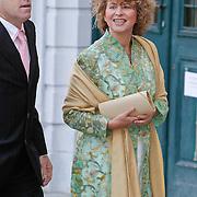 BEL/Brussel/20101120 - Huwelijk prinses Annemarie de Bourbon de Parme-Gualtherie van Weezel en bruidegom Carlos de Borbon de Parme,