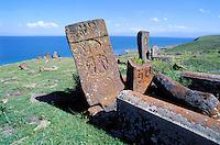 Armenie, Lac Sevan, Salohivank, ancien cimetière // Armenia, Sevan lake, Salohivank, old cemetery