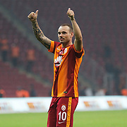 Galatasaray's Wesley Sneijder celebrate victory during their Turkish Super League soccer match Galatasaray between Caykur Rizespor at the AliSamiYen Spor Kompleksi TT Arena at Seyrantepe in Istanbul Turkey on Sunday, 25 January 2015. Photo by Aykut AKICI/TURKPIX