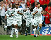 Photo: Tom Dulat.<br /> England v Estonia. UEFA European Championships Qualifying. 13/10/2007.<br /> Shaun Wright-Phillips(second right) celebrates his opener for England